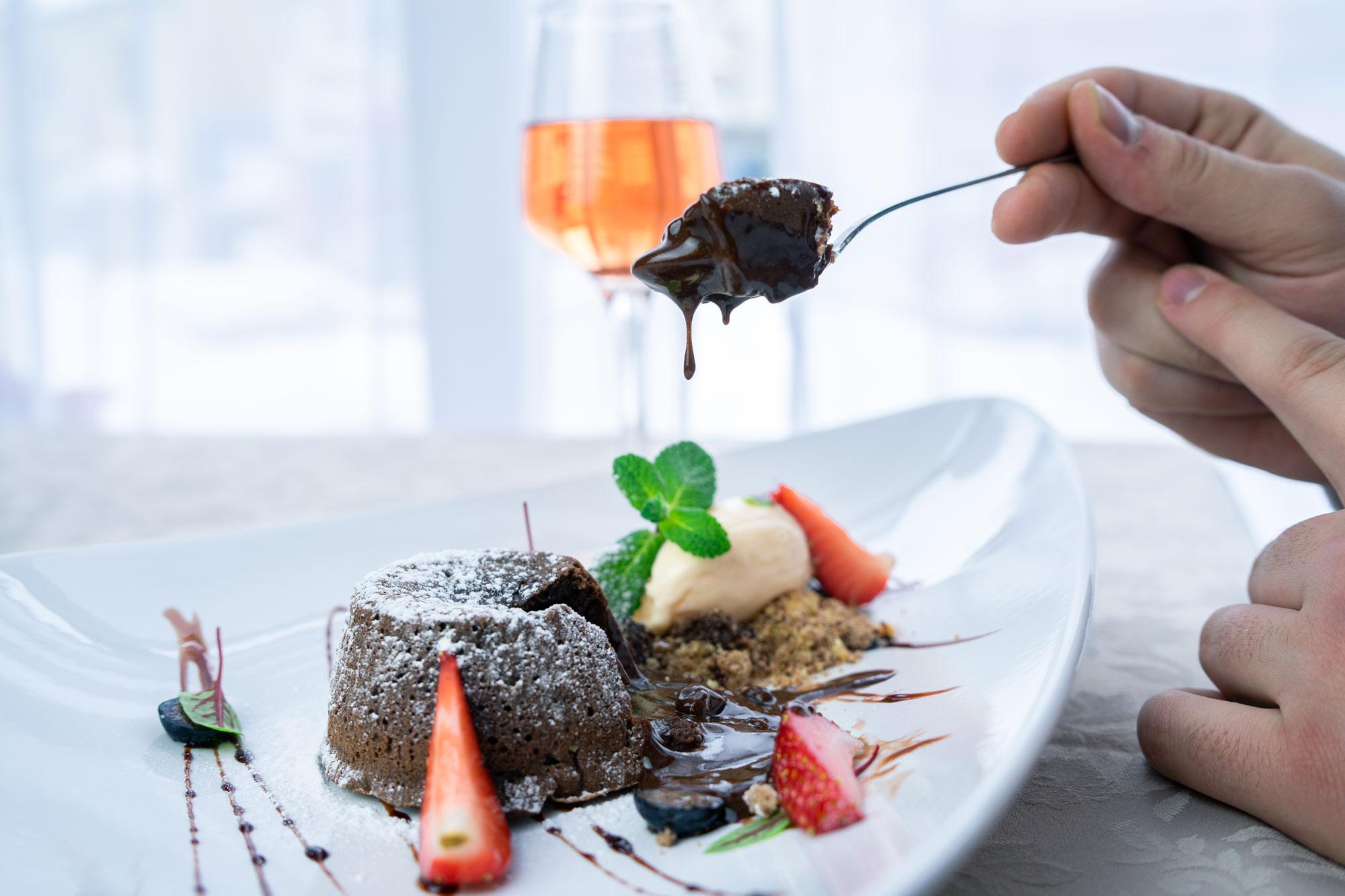lava cake restaurant hotel carmen predeal